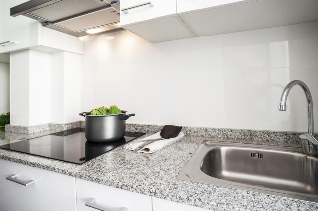 Küchenarbeitsplatte aus Naturstein > Vor- & Nachteile | FOCUS.de