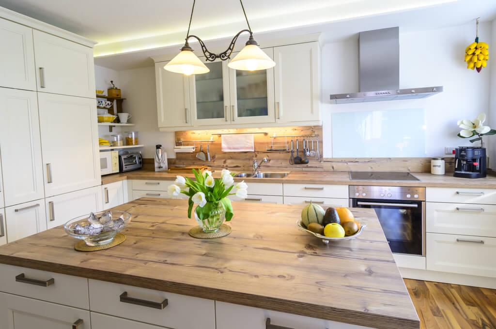 Küchenarbeitsplatte aus Massivholz > Vor- & Nachteile | FOCUS.de
