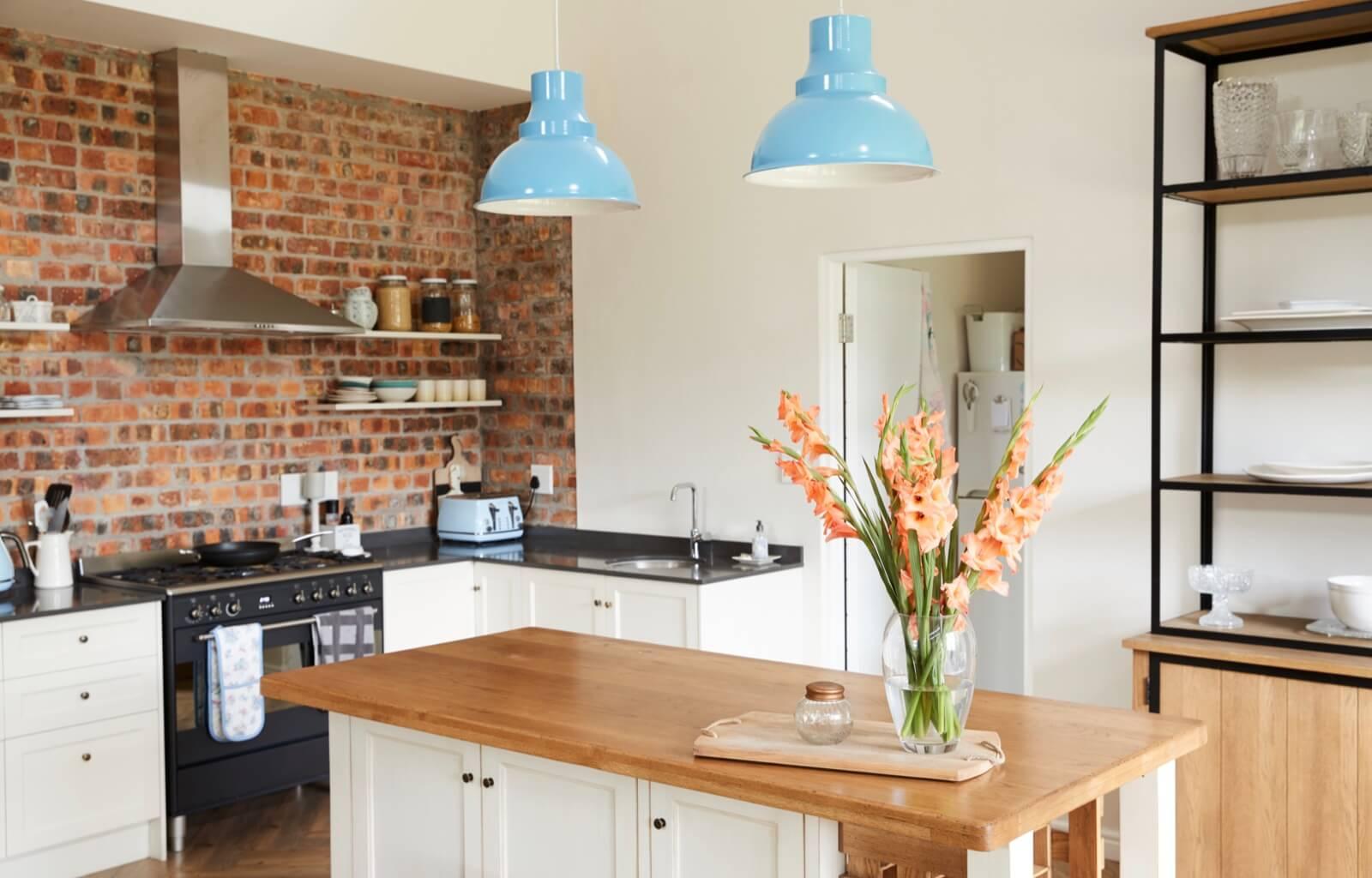Regionale Angebote für Küchen kostenlos erhalten | Aroundhome