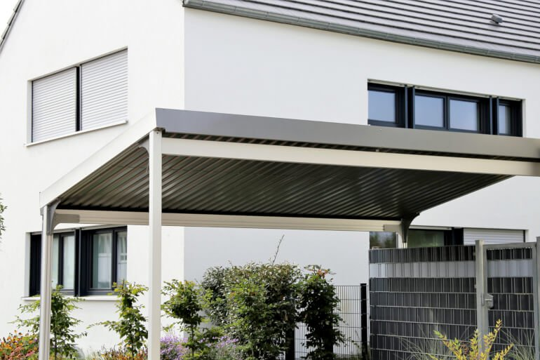 Carport aus Metalldach