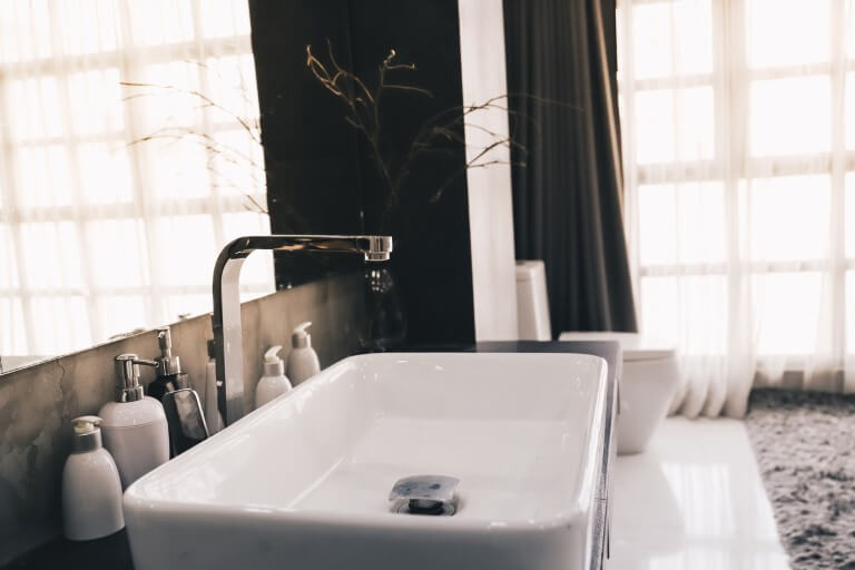 Planen Sie Ihr Luxus-Badezimmer mit Aroundhome
